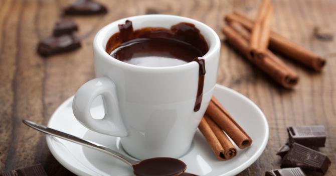 recette de tasse de chocolat chaud sans lait moins de 100 calories recette. Black Bedroom Furniture Sets. Home Design Ideas