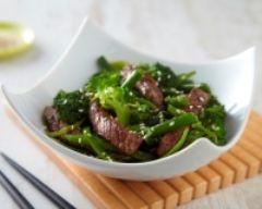 Recette emincés de bœuf au sésame et son wok de légumes verts