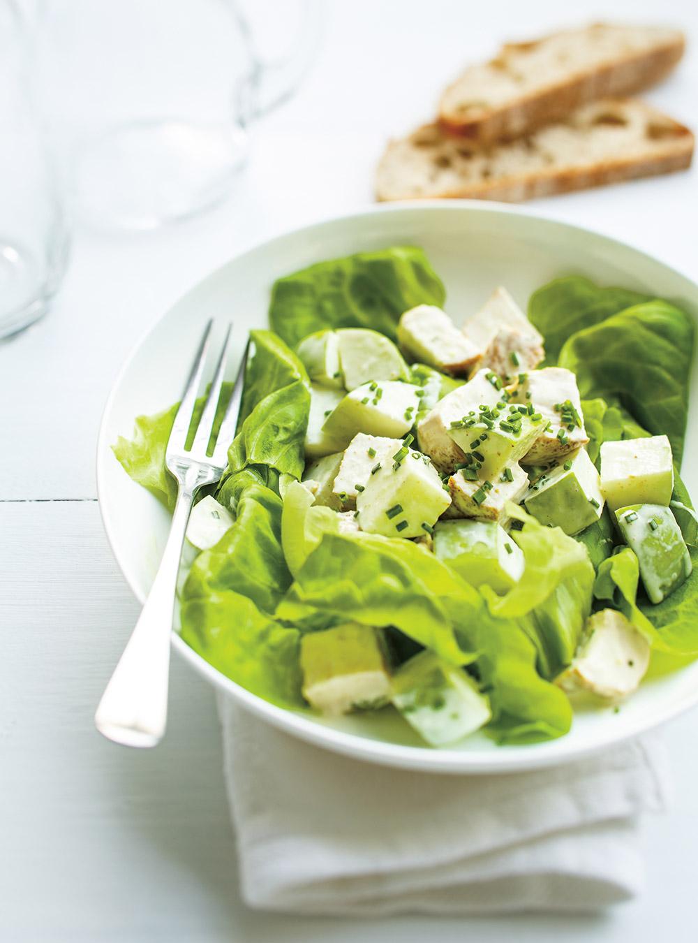 Salade de poulet au cari et aux pommes | ricardo
