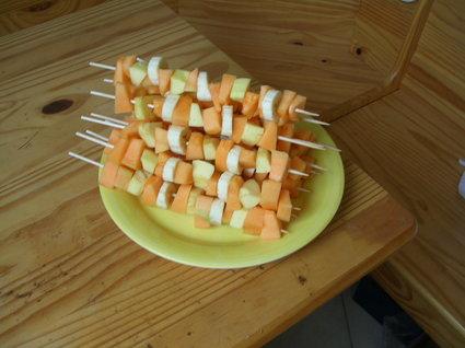 Recette de brochettes de fruits d'été