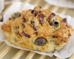Recette mini cakes aux olives et lardons au vin blanc sec