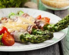 Recette roulés de jambon cru aux asperges et parmesan