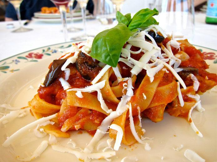 Pâtes à la sicilienne : recette de la pasta alla norma