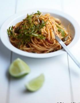 Spaghetti aux tomates séchées, citron vert, câpres pour 4 personnes ...