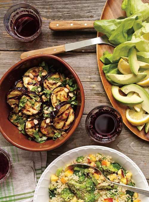 Croustillant de gambas au basilic salade d 39 herbes vinaigrette de recette - Accompagnement gambas grillees ...