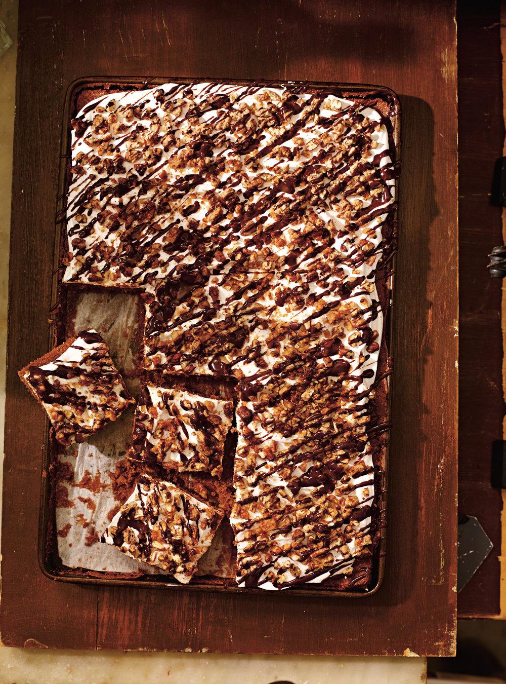 Gâteau au chocolat, à la guimauve et aux pacanes (mississippi mud ...