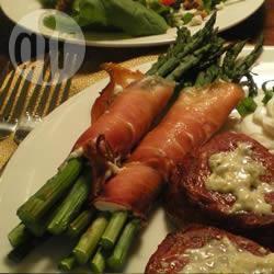 Recette fagots d'asperges au jambon de parme et au fromage de ...
