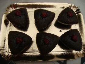 Moelleux chocolat au coeur coulant de framboises pour 12 ...