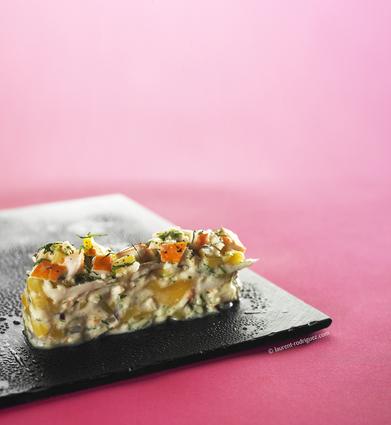 Recette de salade de surimi, mangue et coco