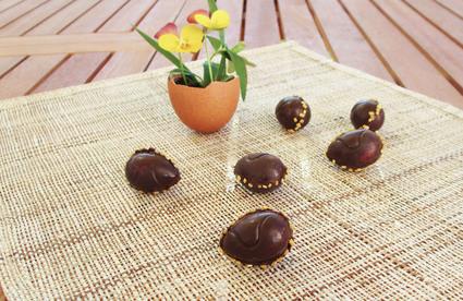 Recette de petits oeufs au chocolat, fourrés à la crème de citron