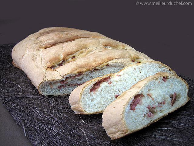 Pain aux lardons  la recette illustrée  meilleurduchef.com