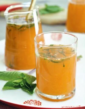Cocktail tonique aux agrumes, au miel et à la menthe pour 4 ...