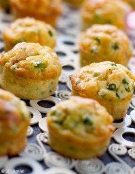 Muffins petits pois et lardons pour 8 personnes