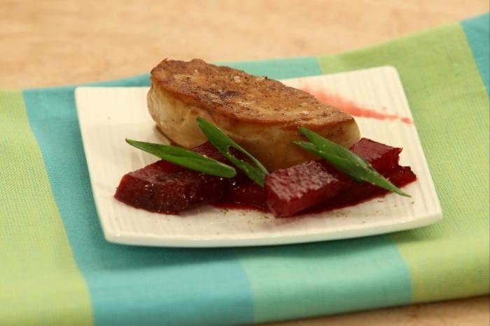Recette de tranche de foie gras poêlée, betteraves confites à la ...