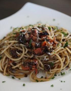 Spaghettis aux champignons et olives pour 2 personnes
