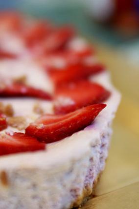 Recette de crumble cheesecake amande, fraise, framboise
