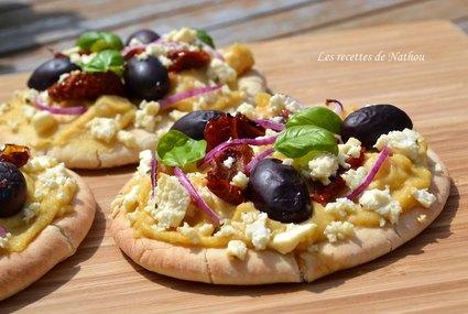 Recette de pains pita à la grecque comme une pizza