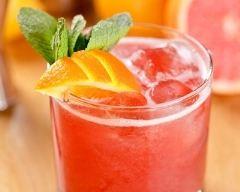 Recette cocktail au thé noir, cassis et orange sans alcool