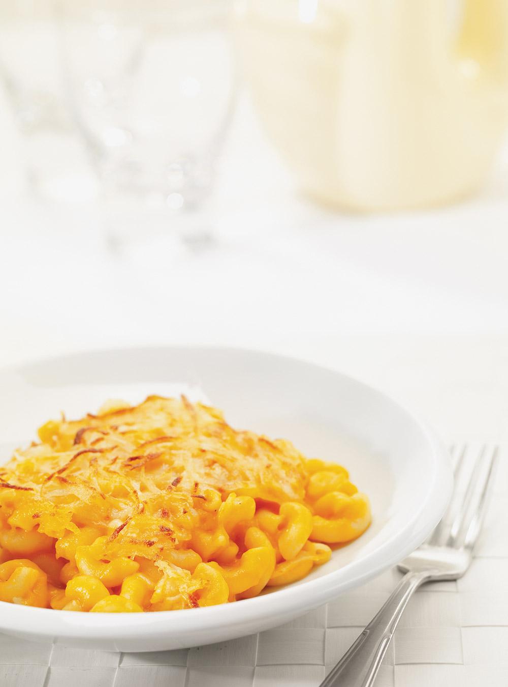 Gratin de macaroni à la purée de carotte | ricardo
