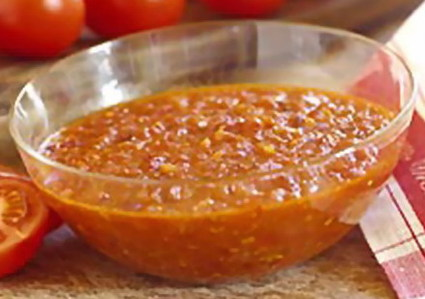 Recette de sauce à la tomate et aux lardons
