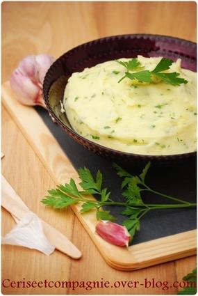 Recette de purée de pommes de terre au persil et à l'ail