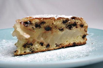Recette de gâteau moelleux aux pépites de chocolat et aux poires ...
