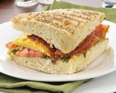 Recette panini rapide au bacon et fromage