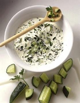 Sauce yaourt au concombre pour 4 personnes