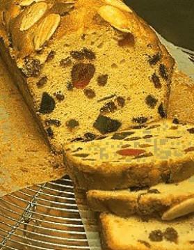 Cake aux fruits confits pour 4 personnes