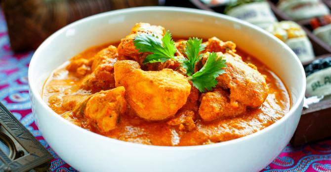 Recette de poulet tikka massala à l'indienne en sauce au yaourt