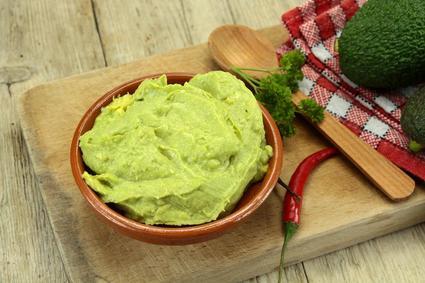 Recette de guacamole à l'ail, piment et tabasco