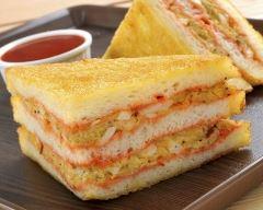Recette club sandwich doré au pesto de tomate et rillettes de poulet ...