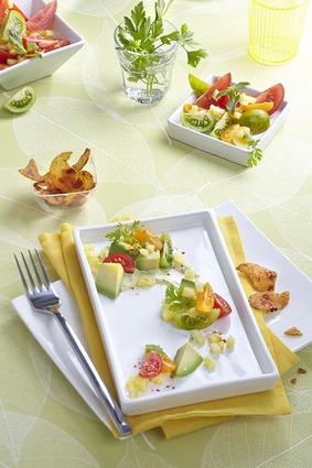 Recette de salade exotique à l'avocat, croustillant de maïs