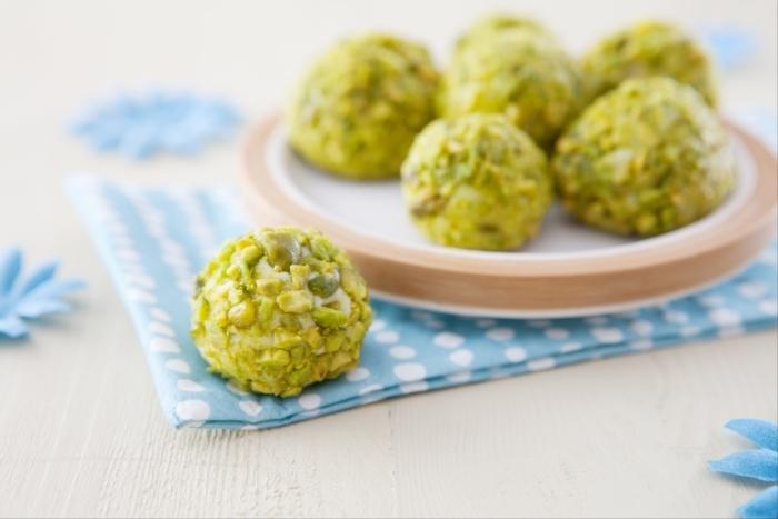Recette de truffes chocolat blanc, pistaches et citron vert facile et ...