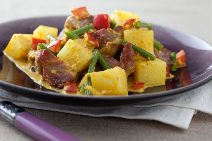 Recette de curry de porc et pommes de terre épicées facile et rapide