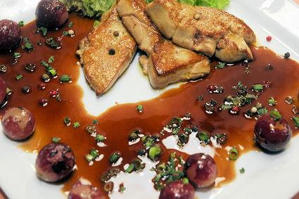 Recette escalopes de foie gras chaud aux raisins