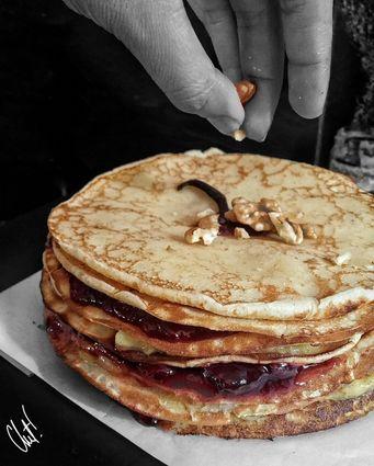 Recette de gâteau de crêpes à la confiture de banane et de fruits ...