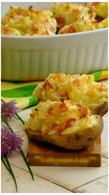 Recette de pommes de terre au four, chèvre, bacon et ciboulette