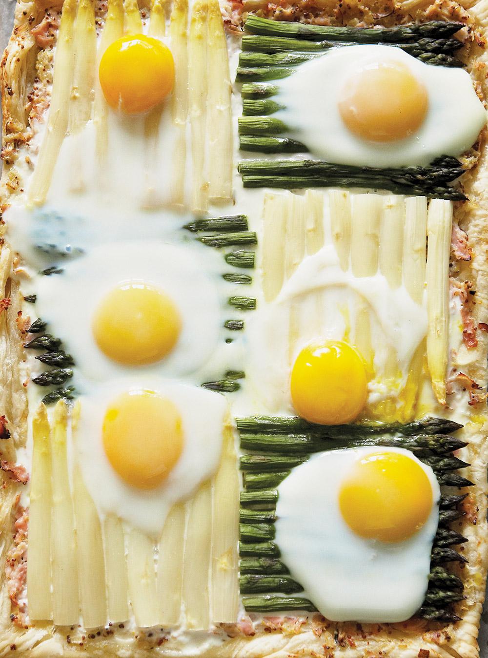 Tarte courtepointe aux asperges, aux oeufs et au jambon | ricardo
