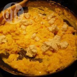 Recette oeufs brouillés au fromage de chèvre – toutes les recettes ...