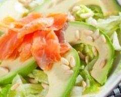 Recette salade minceur au saumon et avocats