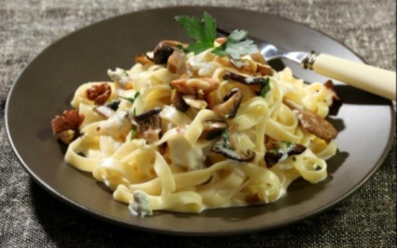 Recette tagliatelles gorgonzola, champignons et noix économique ...
