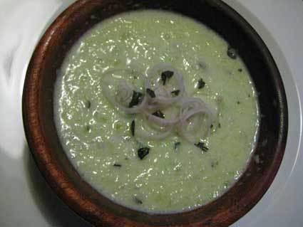Recette de velouté de concombre au basilic