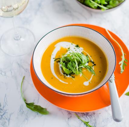 Recette de soupe de carotte au curry, lait de coco et coriandre