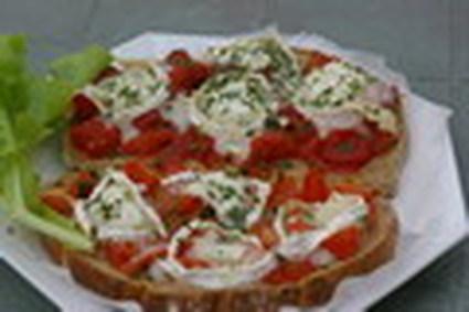 Recette de tartines aux tomates et fromage de chèvre