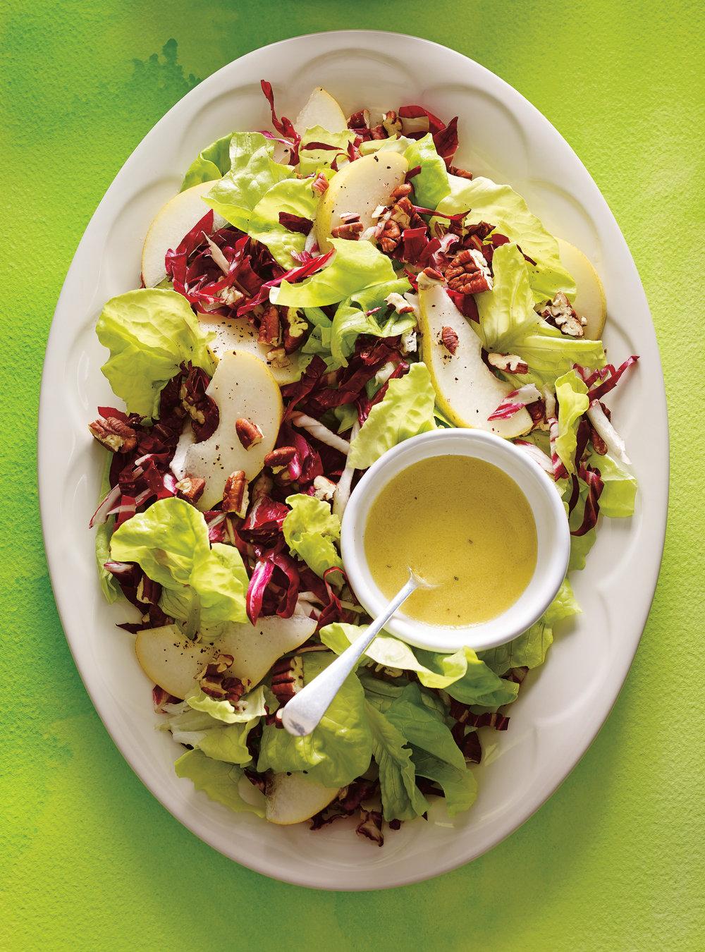 Salade de radicchio aux poires et aux pacanes | ricardo