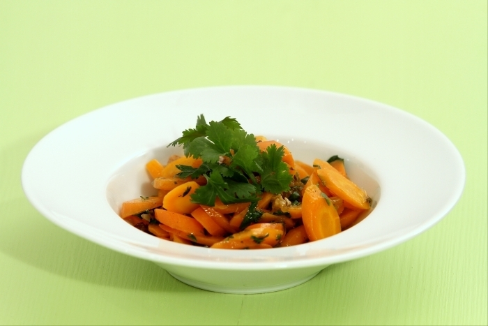 Recette de salade de carottes à la marocaine, raisins et coriandre ...