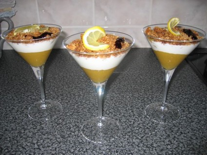 Recette de verrine mangue-yaourt, crumble à la noix de coco