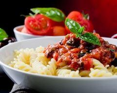Recette pâtes à la sauce tomate aux olives