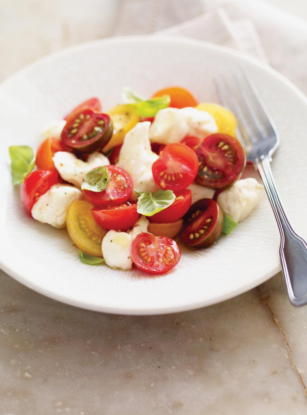Salade de tomates cerises et de fromage en grains | ricardo